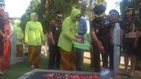 Jaksa Agung Muhammad Prasetyo melakukan upacara dan ziarah di Taman Makam Pahlawan (TMP) Kalibata, Jakarta Selatan, Minggu (21/7/2019).(Merdeka/com/ Nur Habibie)