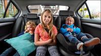 Sejumlah cara dapat orangtua lakukan jika membawa anak saat perjalanan jarak jauh menggunakan mobil.