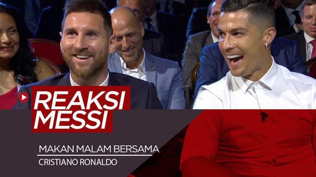 Berita video melihat reaksi Lionel Messi saat Cristiano Ronaldo membahas makan malam bersamanya di acara pengumuman pemain terbaik Eropa di Monaco, Kamis (29/8/2019).