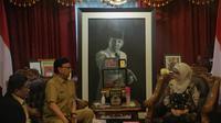 Mendagri Tjahjo Kumolo bertemu dengan Bupati Indramayu Anna Shopana yang mengundurkan diri (Liputan6.com/ Nanda Perdana Putra)