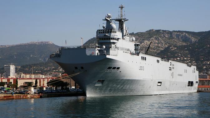 Kapal AL Prancis Mistral MG 6102 (Wikimedia Commons)