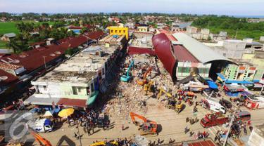 20161208- Tim SAR Terus Cari Korban Gempa Aceh- Eskavator-Aceh- Angga Yuniar