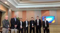 Jajaran eksekutif Red Hat Asia Pasifik bersama key partner di Red Hat Partner Conference 2018, Nusa Dua, Bali. Liputan6.com/Jeko Iqbal Reza