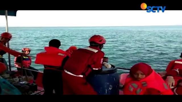 Tim Basarnas Sulsel menerjunkan sejumlah tim penyelam menyisir di sekitar titik tenggelamnya KM Arista.