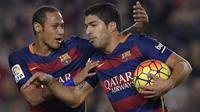 Dua bintang Barcelona, Neymar (kiri) dan Luis Suarez (kanan), tampil tajam semenjak Lionel Messi absen bermain karena cedera. (AFP PHOTO / GENE Lluis Gene)