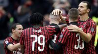 8. AC Milan - Klub asal kota Milan ini sedang mengalami masa-masa terpuruk, baik masalah prestasi maupun finansial. Rossoneri mempunyai utang sekitar 260 juta euro. (AP/Luca Bruno)