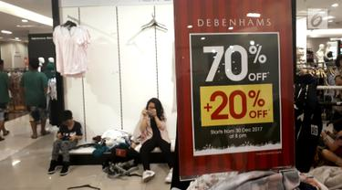 FOTO: Habis Diborong Pembeli, Begini Penampakan Gerai Debenhams saat Midnight Sale