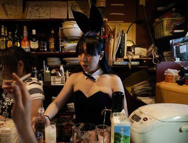 Di Gang Sempit, Begini Potret Bar Malam di Golden Gai Tokyo