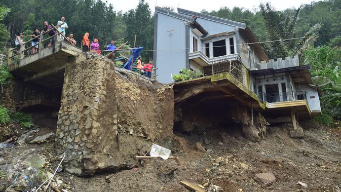 6 Bencana Alam Paling Mengerikan Tahun 2016 News Liputan6 Com
