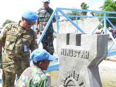 Citizen6, Haiti: Penasehat Militer Perwakilan Tetap Republik Indonesia untuk UN di New York, Laksamana Pertama TNI Budihardja Raden saat meninjau lokasi sangat bangga dengan prestasi yang telah dicapai oleh Satgas TNI. (Pengirim: Badarudin Bakri)
