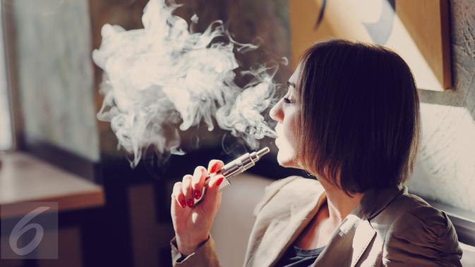 Gunakan Rokok Elektrik, Paru-Paru Claire Rusak dan Memutih
