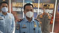 Kepala Kantor Imigrasi Khusus Kelas I TPI Soekarno-Hatta, Romi Yudianto. (Liputan6.com/Pramita Tristiawati)