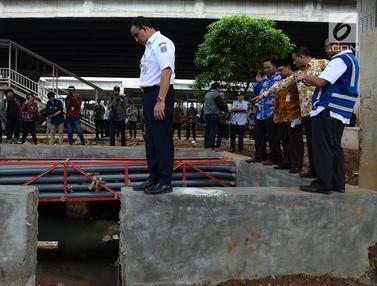 Anies Baswedan Tinjau Titik Banjir di Sekitar Flyover Pancoran
