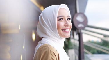 Laudya Cynthia Bella Engku Emran Dikabarkan Menikah Bulan Depan News Entertainment Fimela Com
