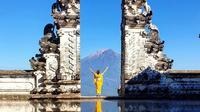 Pura Lempuyang Luhur, Bali. (dok. Instagram @st.ana93/https://www.instagram.com/p/BzILUEqncC9/)