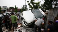 Di dalam mobil Pajero Sport yang terguling di Medan itu terdapat lima penumpang. (Liputan6.com/Reza Efendi)