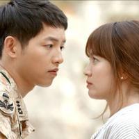 Setelah kerap dikabarkan punya hubungan spesial, akhirnya Song Joong Ki dan Song Hye Kyo menikah pada Oktober tahun lalu. Mereka punya banyak penggemar setelah muncul jadi lawan main di Descendants of The Sun. (Foto: allkpop.com)