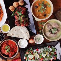 Hotel Santika Premiere Bintaro mempersembahkan ragam pilihan kuliner eksklusif untuk menyempurnakan buka puasa Ramadan. (Liputan6.com/Pool/Hotel Santika Premiere Bintaro)