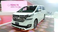 6 Selebriti ini berkomentar tentang mobil Toyota Alphard yang dimilikinya.
