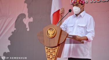 Menhub Budi Karya Sumadi dan Gubernur Bali I Wayan Koster melakukan peletakan batu pertama 2 pelabuhan di Bali. (Dok Kemenhub)