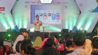 Sutanto Hartono, Managing Director Emtek, memperkenalkan strategi bisnis di era digital dalam forum Emtek Goes To Campus (EGTC) 2019 Yogyakarta. (Liputan6.com/ Switzy Sabandar)