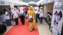 Suasana pameran pada acara puncak peringatan Hari Disabilitas Internasional 2019 di Plaza Barat Gelora Bung Karno, Jakarta, Selasa (3/12/2019). Acara tersebut memamerkan produk UMKM dari puluhan organisasi penyandang disabilitas se-Indonesia. (Liputan6.com/Faizal Fanani)