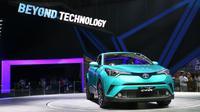 Toyota C-HR model hybrid diperkenalkan di GIIAS 2017. (Herdi Muhardi)