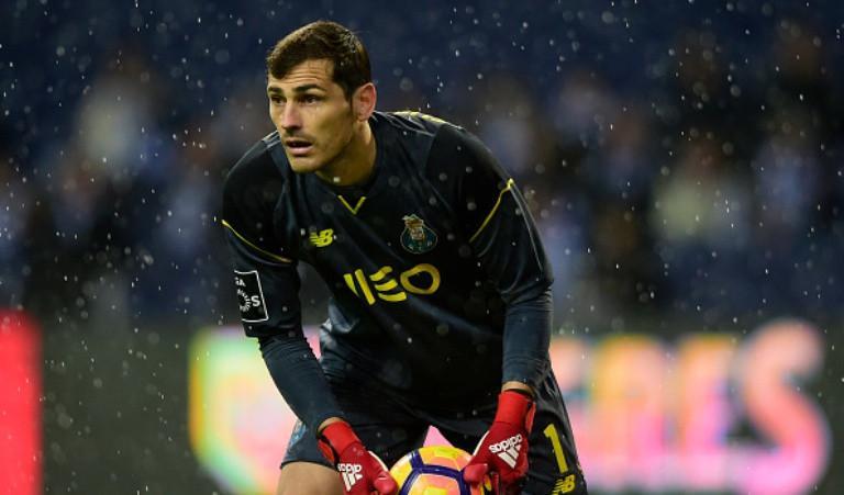 Penjaga gawang FC Porto asal Spanyol, Iker Casillas (AFP/Miguel Riopa)