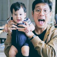 Lihat betapa lucunya kebersamaan Junior Liem dan sang buah hati, Lori. Keimutan Lori memang membuat para warganet menjadi gemas. (Foto: instagram.com/juniorliem)