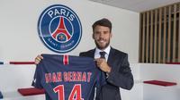 Juan Bernat menjadi rekrutan paling anyar Paris Saint-Germain. (PSG)