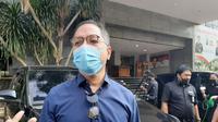Pemred Metro TV Arief Suditomo mendatangi Polda Metro Jaya, Jumat (24/7/2020). Dia datang untuk membicarakan hasil investigasi kematian editor Metro TV, Yodi Prabowo. (Liputan6.com/Ady Anugrahadi)