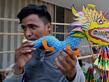 20151226-Penjual Terompet-Jakarta-Gempur M Surya