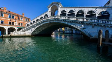 Jernihnya Kanal Venesia