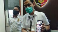Kasat Reskrim Polrestabes Makassar, Kompol Agus Chaerul mengatakan pihaknya terus menyelidiki kasus dugaan korupsi proyek Dispora Makassar (Liputan6.com/ Eka Hakim)