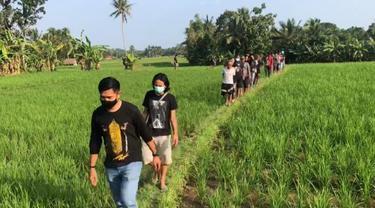 Penangkapan Pelaku Pembunuhan Berencana Di Tengah Sawah, Kabupaten Pandeglang, Banten. (Rabu, 28/07/2021). (Dokumentasi Satreskrim Polres Pandeglang).