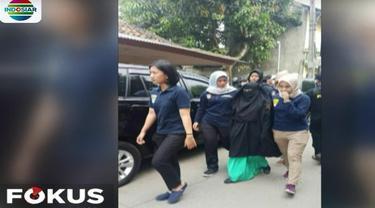 Operasi penangkapan ini diduga karena mereka terkait dengan jaringan teroris.