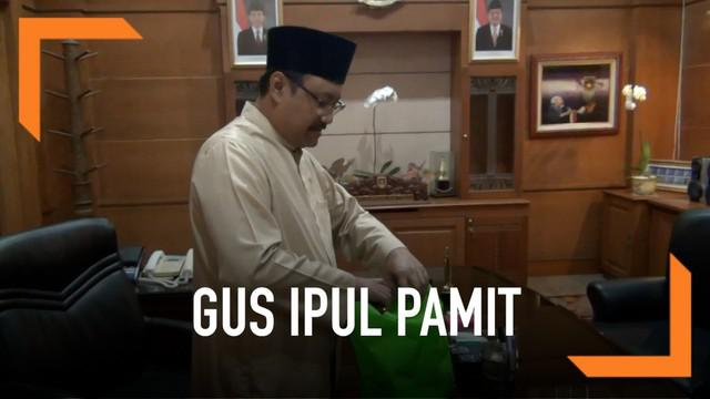 Gus Ipul mengemasi barang-barang pribadinya, bersiap tinggalkan kantor pemprov Jawa Timur setelah menjabat sebagai wakil gubernur selama 10 tahun.