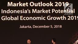 Kepala BKPM Thomas T Lembong (kiri) saat membuka Market Outlook 2019 di Jakarta, Rabu (5/12). Hingga Oktober 2018, Bank Mandiri memiliki 53.096 nasabah private dan prioritas banking. (Liputan6.com/Angga Yuniar)