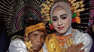 Pernikahan Seorang Kakek dan Gadis 19 Tahun