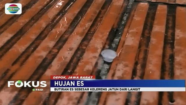 Warga Depok heboh dengan fenomena hujan es sebesar kelereng, yang berjatuhan di genteng rumah mereka pada Selasa (20/3) kemarin.