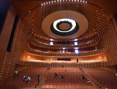 Persiapan Tianjin Grand Theater Sambut Pengunjung