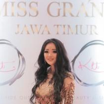 Diana Putri jadi desainer asal Surabaya yang bawa nama Indonesia di fashion internasional. (Sumber: Instagram/@dianamputri)