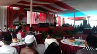 KH Jujun Junaedi memberikan tausiah dakwah pemilu damai (Liputan6.com/Jayadi Supriadin)