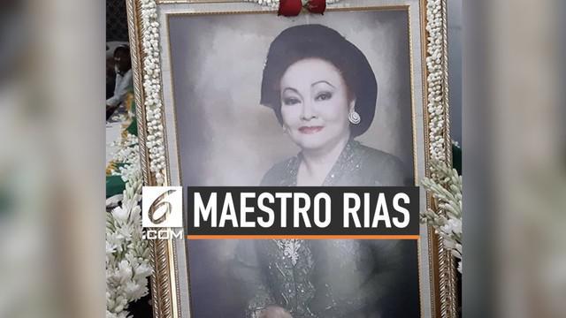 Kabar duka datang dari maestro perias pengantin, Tienuk Riefki. Tienuk sempat menangani banyak nama besar mulai dari keluarga Presiden, Keraton Yogyakarta, hingga selebritas.