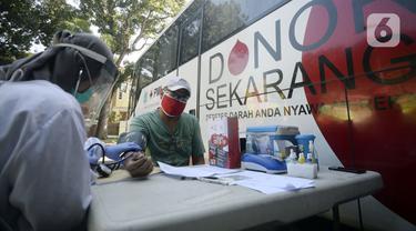 FOTO: Pandemi COVID-19, PMI Intensifkan Donor Darah Keliling