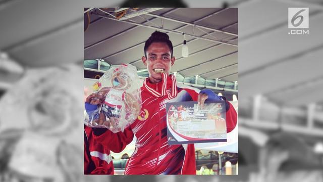 Salah satu atlet tinju Indonesia, Valentinus Nahak, harus melawan penyakit kanker yang dideritanya sekarang ini.