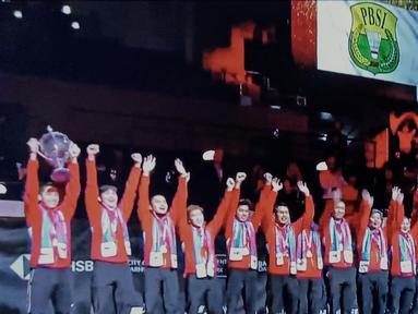 Sudah menjadi tradisi pada ajang bulutangkis ketika bendera negara pemenang akan dikibarkan bersama lagu kebangsaan pada podium perayaan juara. Namun, Indonesia tak bisa merasakan momen-momen sakral tersebut di Piala Thomas 2020. (Tangkapan layar vidio.com)