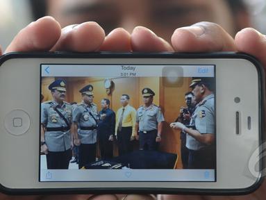 Komjen Pol Budi Gunawan resmi dilantik sebagai Wakapolri oleh Kapolri Jenderal Badrodin Haiti, Mabes Polri, Jakarta, Rabu (22/4/2015). Pelantikan Budi Gunawan dilakukan secara tertutup (Liputan6.com/JohanTallo)