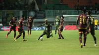 Duel Tira Persikabo vs PSM Makassar di Stadion Pakansari, Cibinong, Kabupaten Bogor, Rabu (29/5/2019). (Bola.com/Abdi Satria)