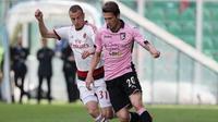 Striker Palermo, Franco Vazquez (kanan). (AFP/Marcello Paternostro)